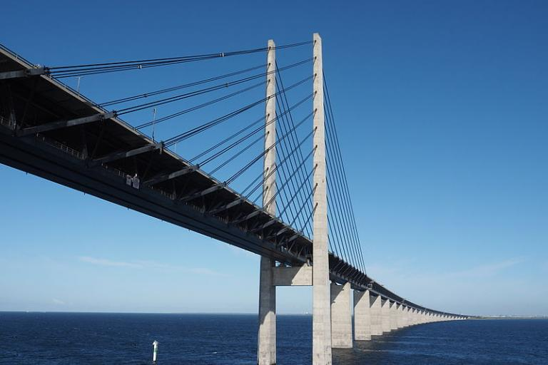 Oresund Bridge (licensed CC BY-SA 4.0 by Hajotthu on Wikimedia Commons).JPG