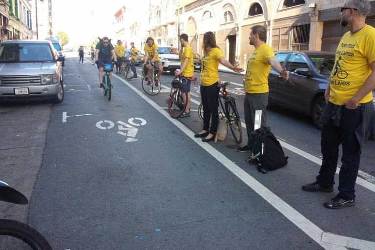 People protected bike lane (picture via SFMTra on Twitter).jpg