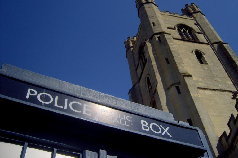 A police box in Cambridge (CC BY 2.0 James Bowe|Flickr).jpg