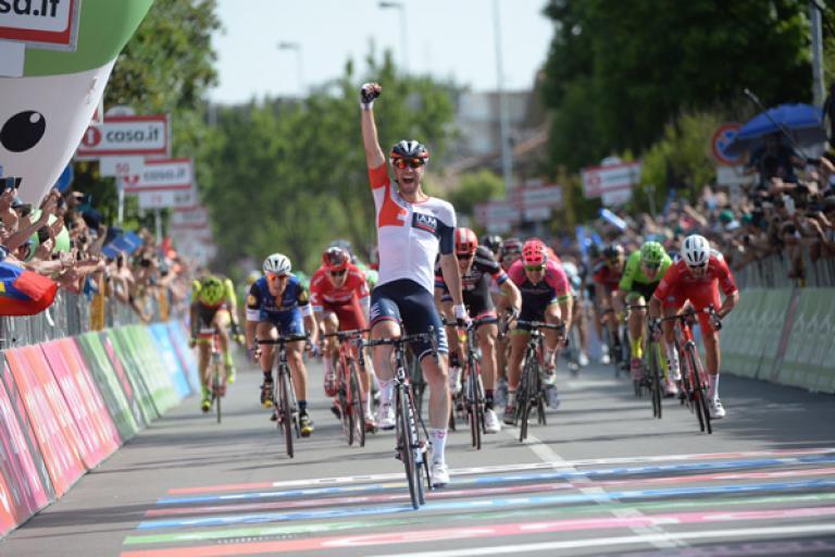 Roger Kluge celebrates winning Giro d'Italia 2016 Stage 17 (PHOTO CREDIT ANSA - PERI - DI MEO - ZENNARO).jpg