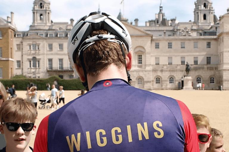 Sir Bradley Wiggins signs autographs (copyright Simon MacMichael).PNG
