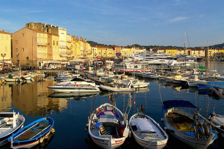 St Tropez (licensed CC BY-SA 3.0 by Myosotismail on Wikimedia Commons).jpg