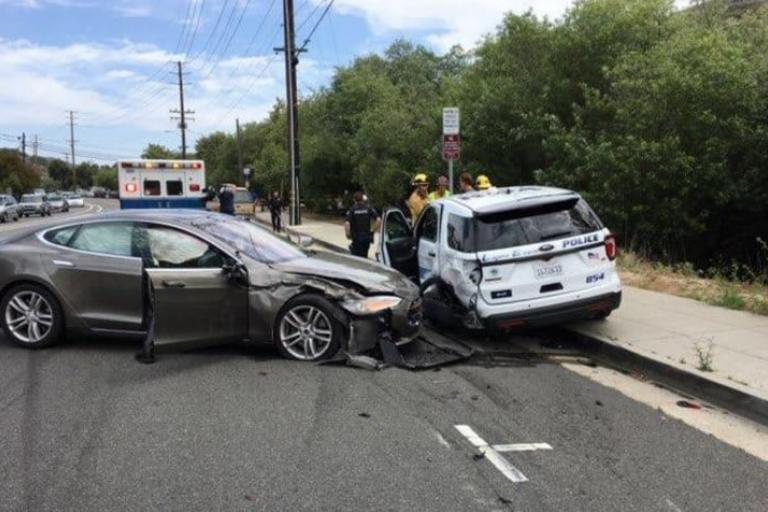 tesla_crash_with_police_car_via_laguna_beach_police_department_on_twitter.jpeg