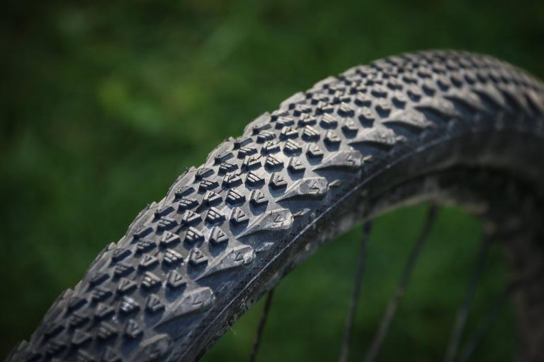 Buyer's guide to tubeless tyres — all your options in new ...